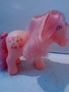 My-Little-Pony-Cherries-Jubilee-G1-1980s-vintage-Collectors-Pose-in-vgc