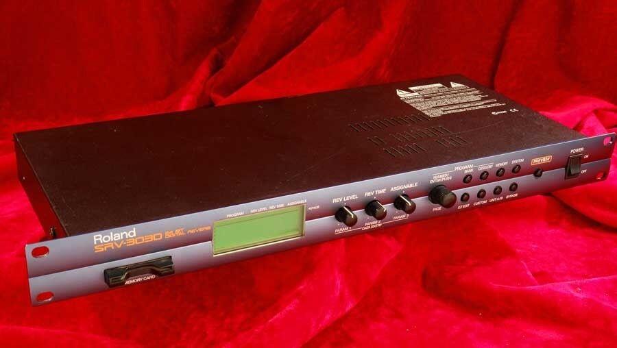 Rare  ROLAND SRV 3030 24 bit Unique Features   Complete