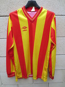 VINTAGE-Maillot-UMBRO-made-in-ENGLAND-ancien-shirt-camiseta-maglia-M-rouge-jaune