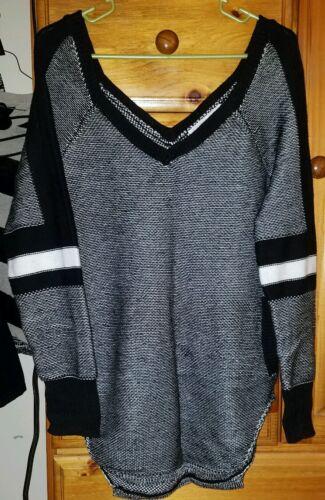 Maglione nero Victoria's taglia piccola Secret scollo bianco e V a 5rqABqnIU