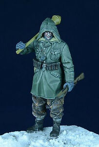 1//35 Brand-new unassembled Qing Yi Resin WWII German Officer Figure QY35005