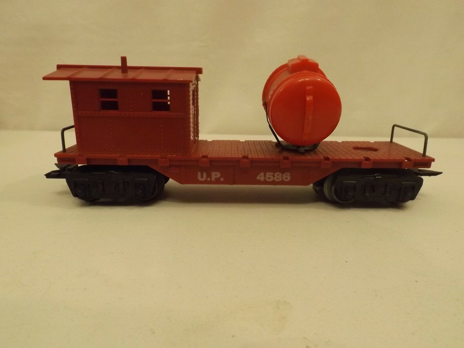 O Marx  4586 Union Pacific work caboose with searchlight