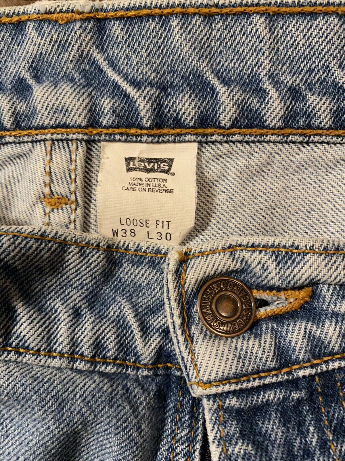 Vintage Levis (Brown Tab) Made In USA - image 4