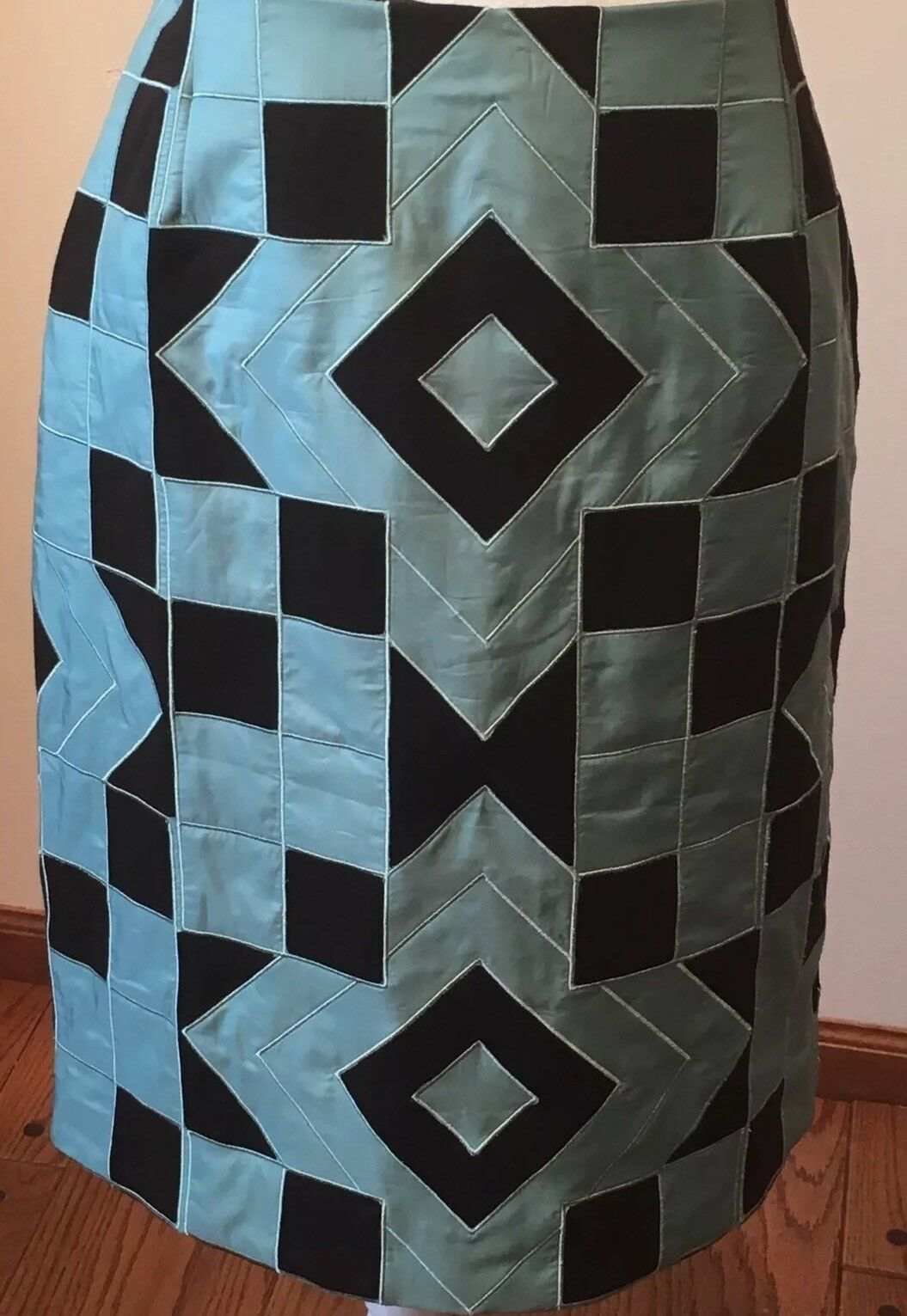 NEW  SATINY GREEN & BROWN GEOMETRIC SKIRT  BY CARLISLE  SIZE 10  Retail  455