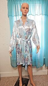 Apt-9-Silky-Satiny-Polyester-Robe-Sz-L-Feathers-Flowers-Multi-Color-Lace-Cuffs