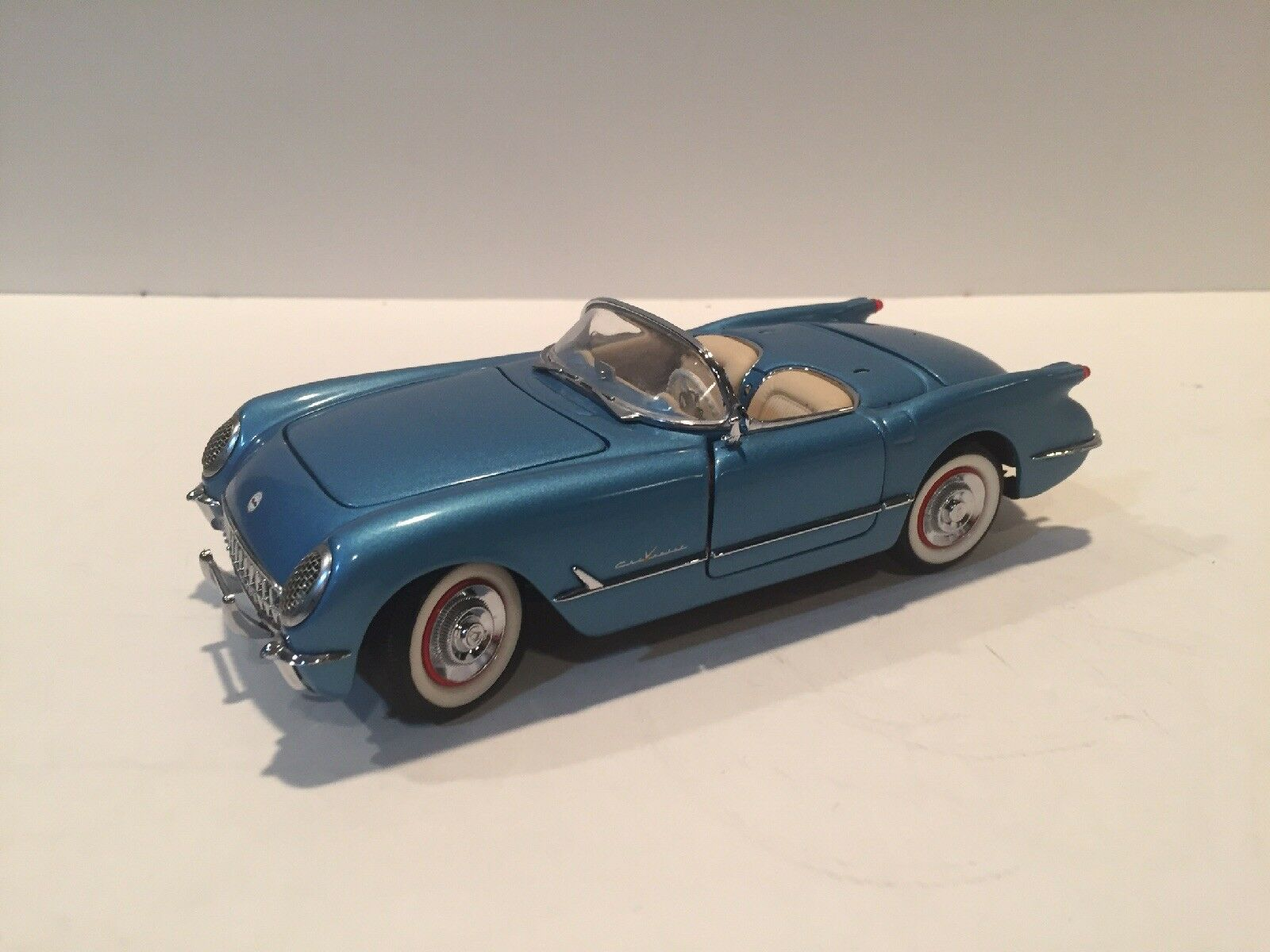 Franklin mint 1955 als blaue corvette cabrio.