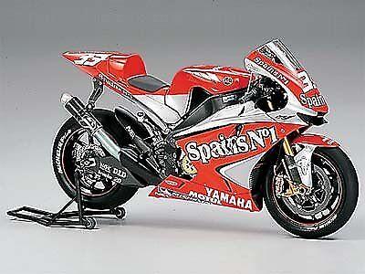 Tamiya 1 12 motorcycle finished product Yamaha YZR-M1 '04 No.33 finished product