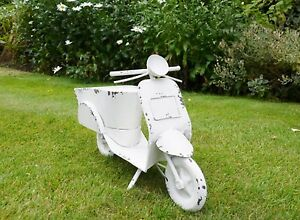GARDEN SCOOTER PLANTER METAL GARDEN ORNAMENT VESPA MOPED HOME