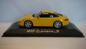 Minichamps-Porsche-911-Carrera-S-Amarillo-1-43