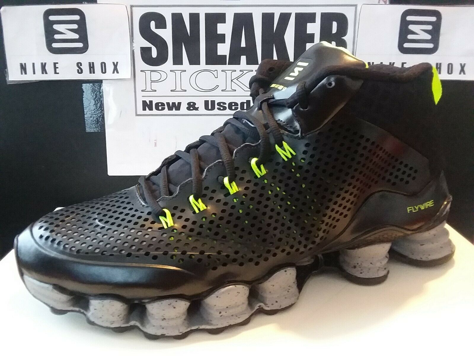 the latest 34db0 a0784 Nike Shox TLX Mid SP - Black / Reflect Silver - Volt - 677737 007 - Size: 12