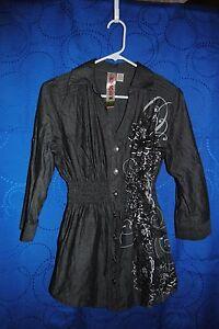 FRESH-BREWED-Black-Button-Down-Shirt-w-Floral-Design-Size-M
