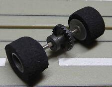 Für Slotcar Modellbahn --  Hinterachse für Life Like  Motor, mit neuen Reifen