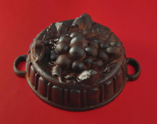 seltene Backform aus Gusseisen - Trauben -  3,6  kg schwer   (# 8956)