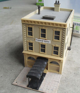 Vintage Ho Scale Downtown Funeral Home Building Look Ebay