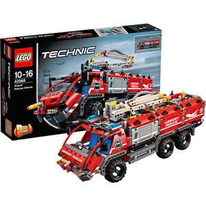 LEGO-Technic-42068-Flughafen-Loeschfahrzeug-Feuerwehr-Airport-Rescue-Vehicle