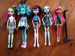 """5 X Monster High Dolls 11"""" Avec Toutes Les Articulations Mobiles. Avec Un Stand-afficher Le Titre D'origine"""