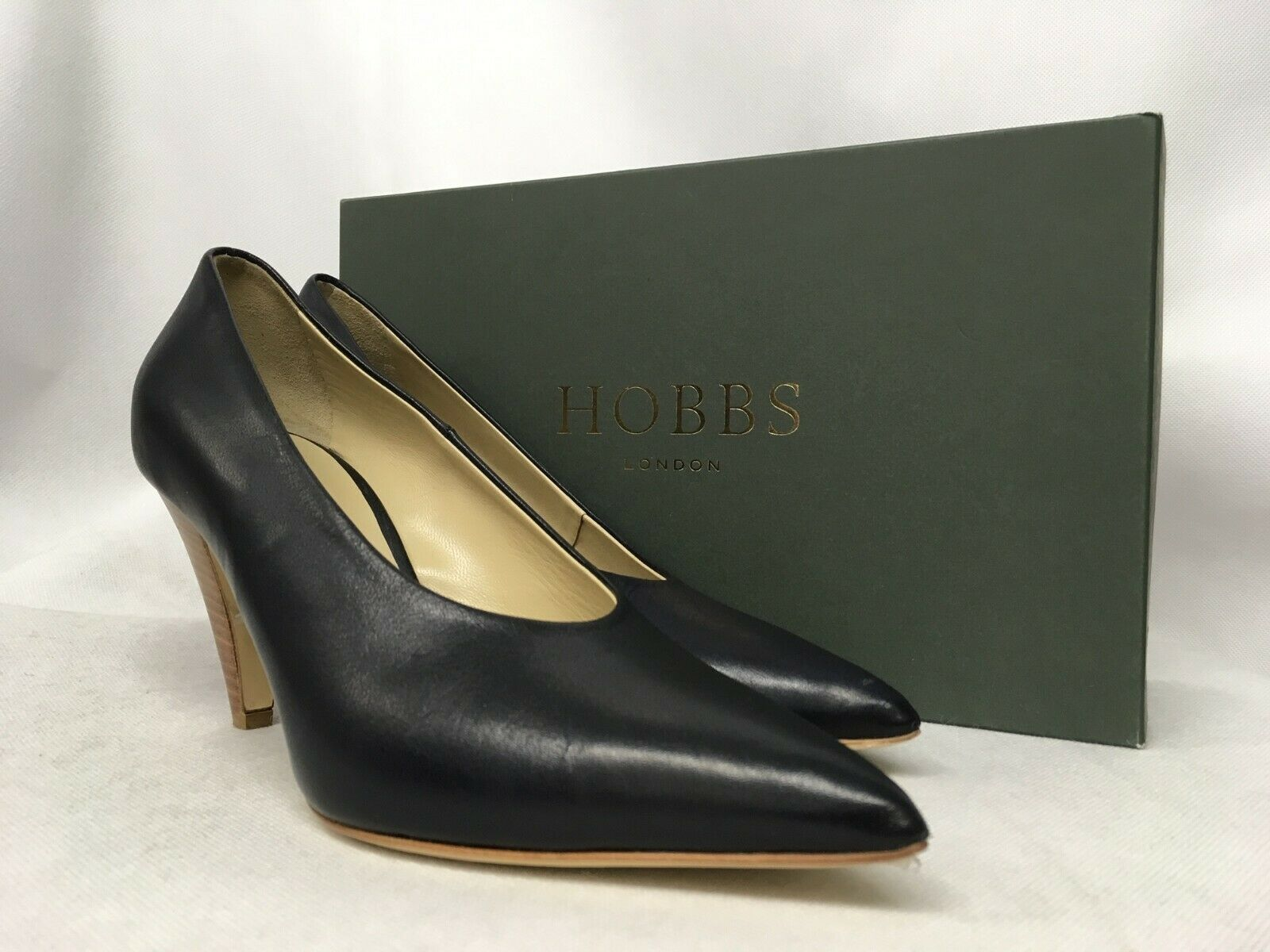 Hobbs Connie Vegetable Leather Navy Court shoes. Various Sizes.