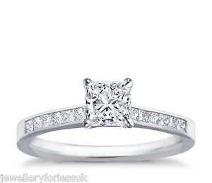 18Carat-White-Gold-Princess-Cut-Solitaire-Diamond-Engagement-Ring-0-60-carats