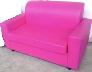 Dettagli su Divano divanetto da ufficio finta pelle fuxia imbottito misura  cm130 sala attesa