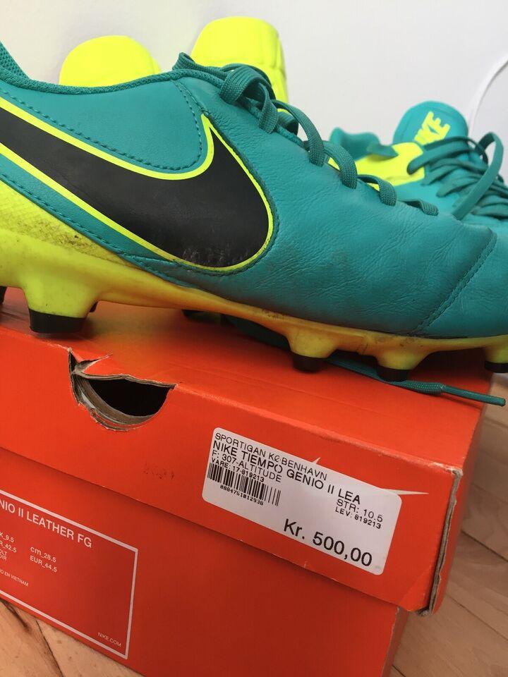 Fodboldsko, Nike fodboldstøvler, Nike