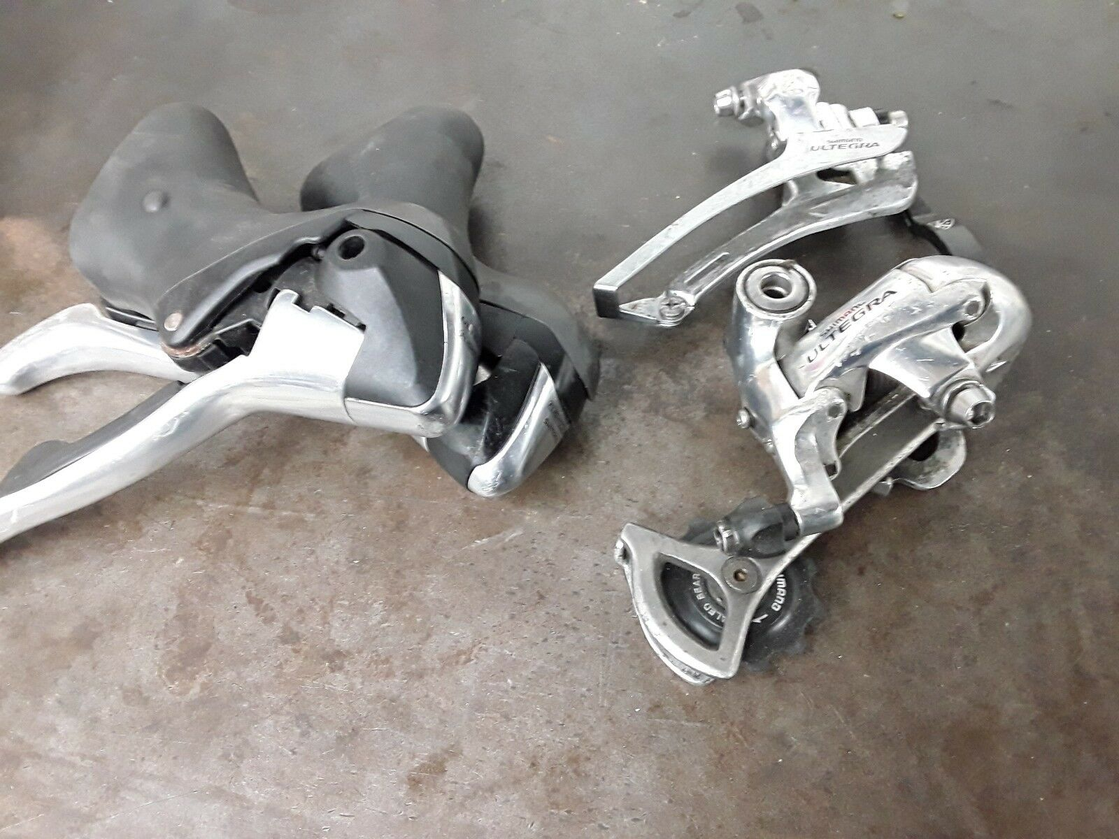 Used Shimano Ultegra 6600 2 X 10 Shifters And Derailleurs