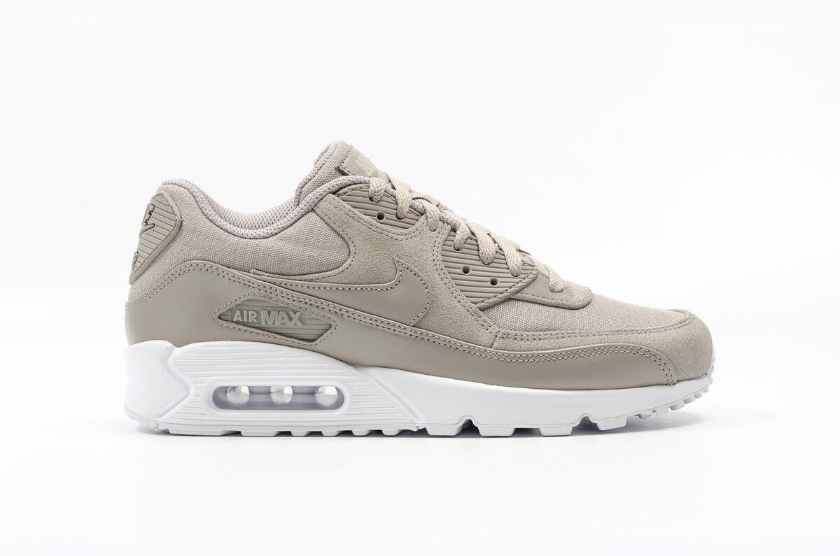 Nike Air Max 90 Premium Grey 700155-007 Size 10 UK