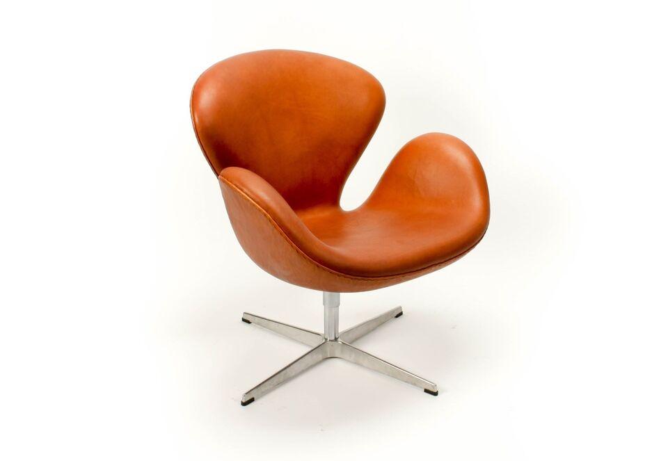 Arne Jacobsen, Arne Jacobsen Svanen Alaska Cognac Anilin
