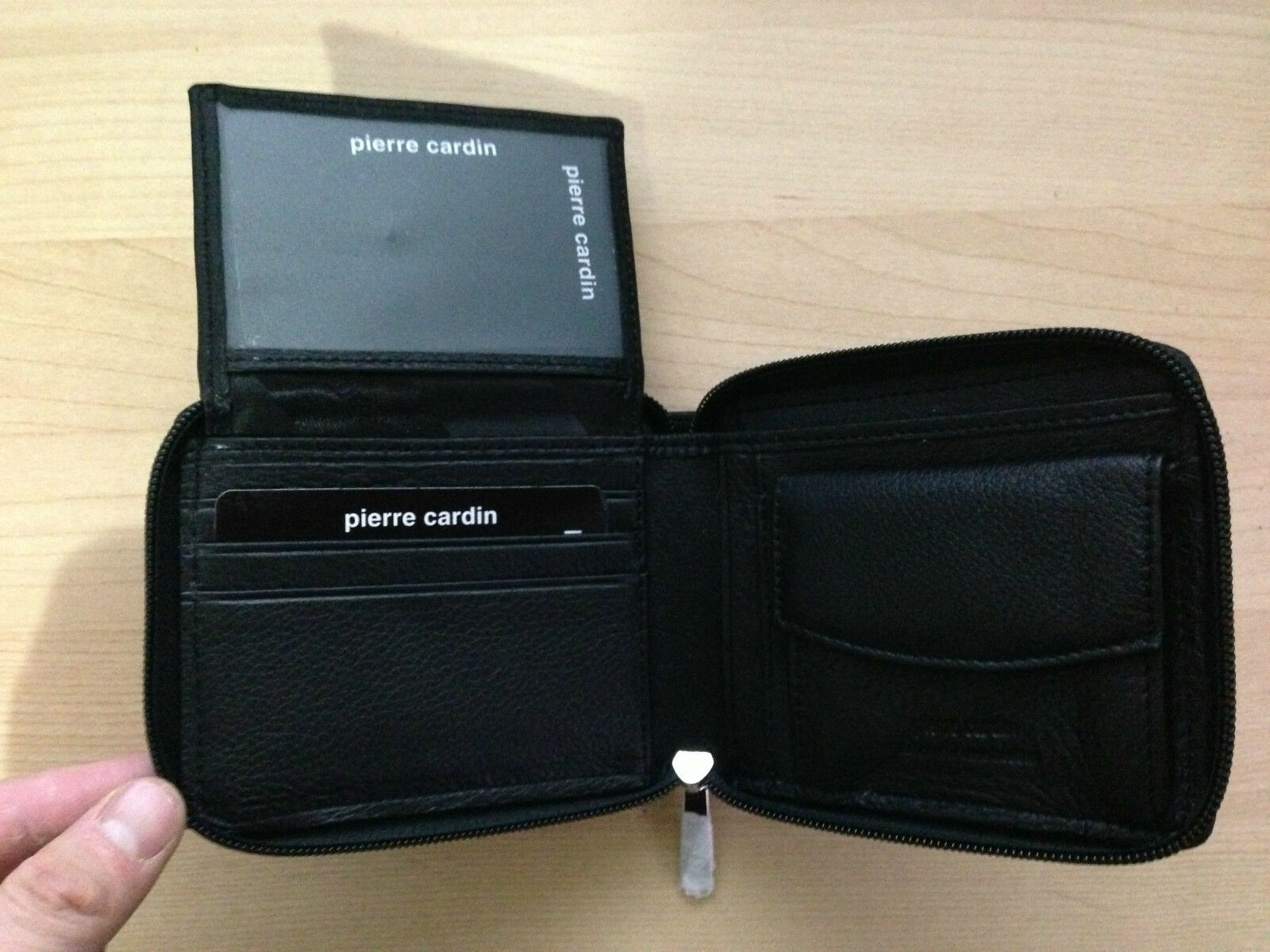 Pierre Cardin Italian Leather Wallet Clip Coin Purse and Zip Closure PC 344
