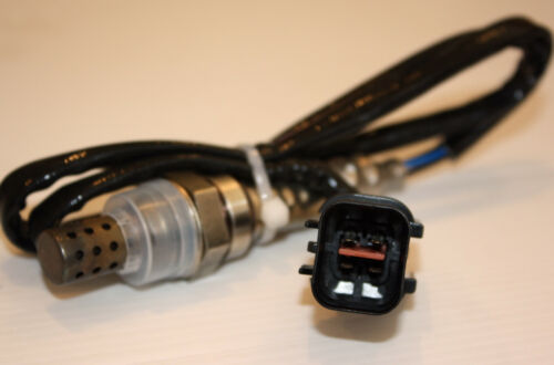Oxygen Sensor O2 fits Mitsubishi Pajero NM NP 3.5L V6 6G74 pre cat lambda