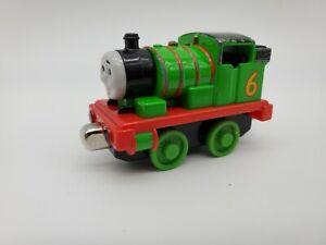 THOMAS & FRIENDS Take n Play Along Train PERCY ENGINE #6 Metal Diecast 2009
