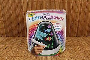 Crayola-Digital-Light-Designer-Dome-Spinning-Light-Canvas-Batteries-installed