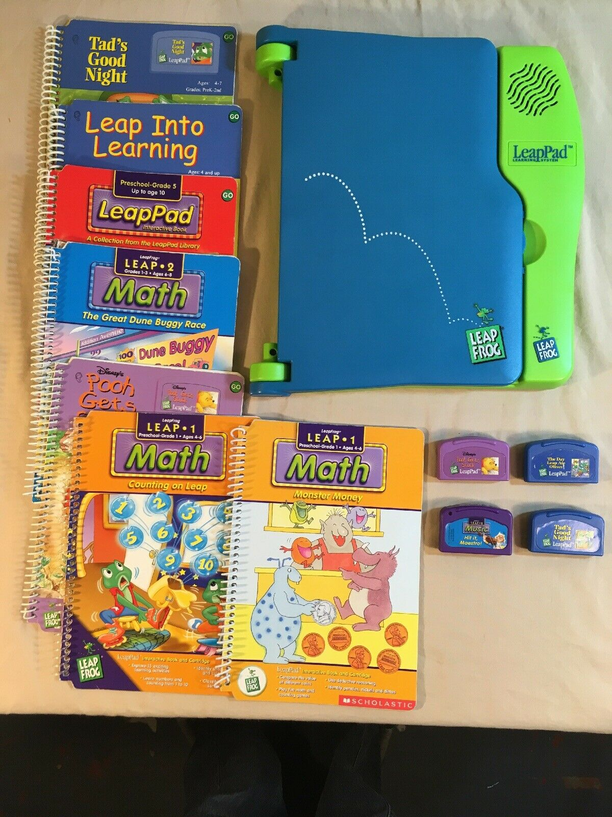 Leap Pad Leap Frog Learning System Set 7 Books 4 Cartriges - Ages 4-10 - Works