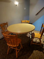 Wooden Chairs Buy Or Sell Dining Table Sets In Winnipeg Kijiji Classifieds