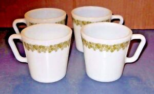 LOT OF 4 GREEN CRAZY DAISY PYREX OLD TOWN MILK GLASS COFFEE MUGS CUPS D HANDLE