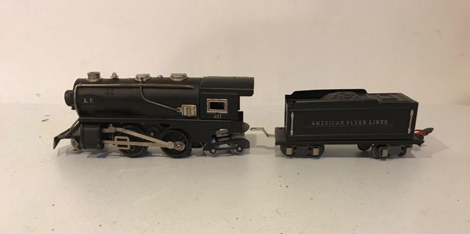 Pre-war American Flyer Locomotive & Tender O Gauge