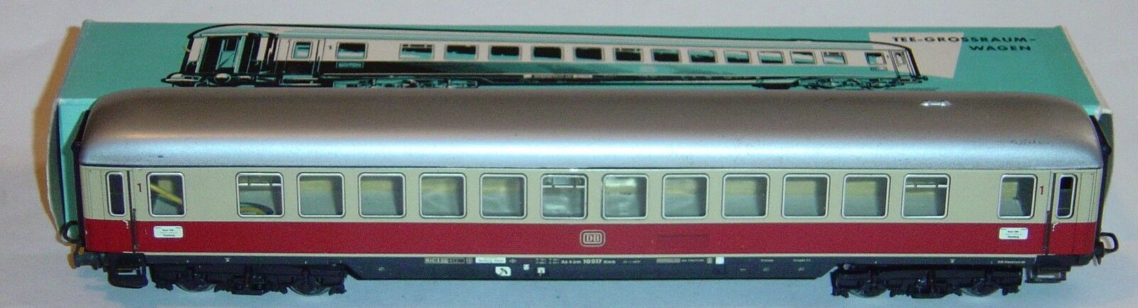 Marklin ho, 1ª class carriage tee DB ref 4056 with interior lighting original