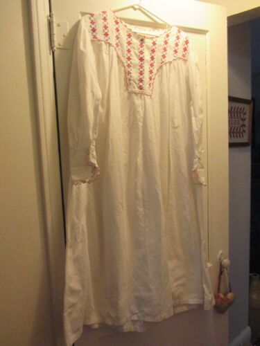 ANTIQUE VICTORIAN EDWARDIAN WHITE NIGHT GOWN RED … - image 1