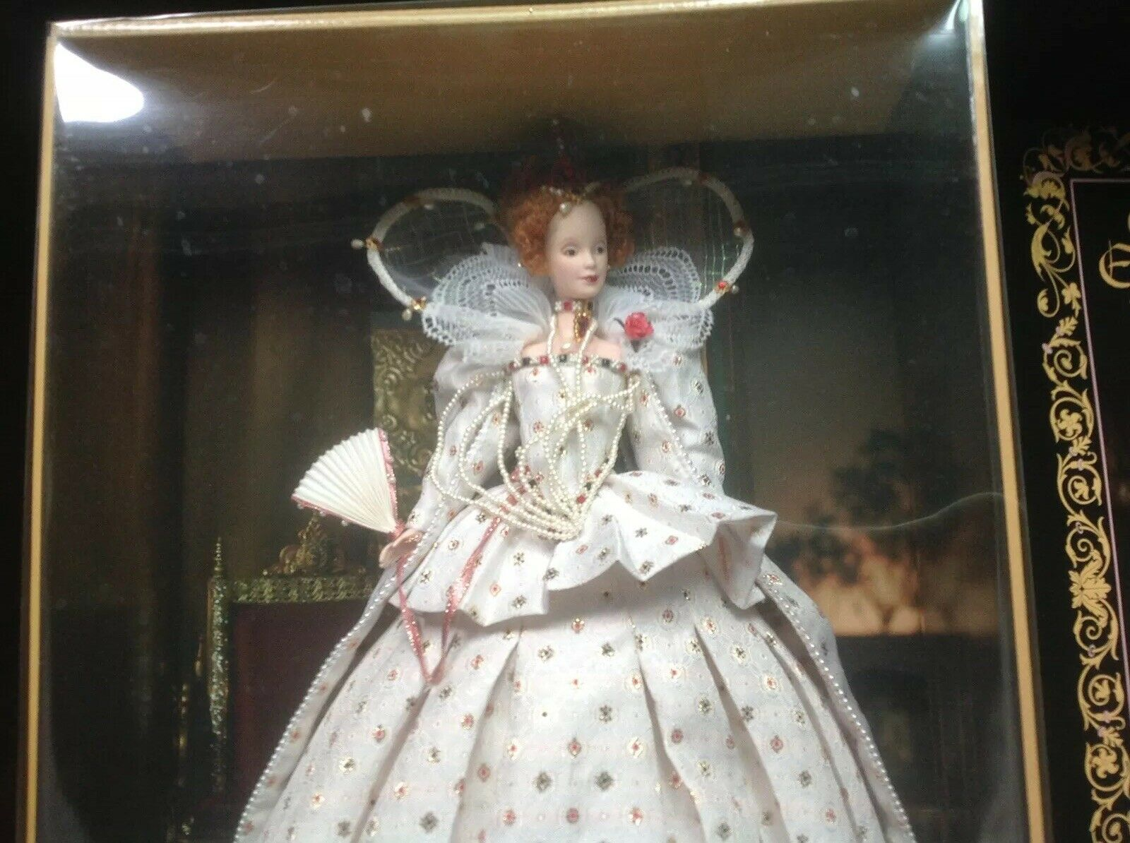 2004  Queen Elizabeth I  damen of Royalty Barbie NEW