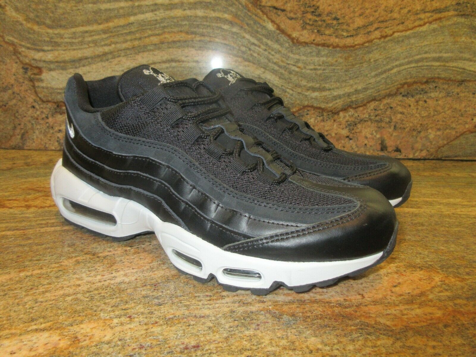 2017 Nike Air Max 95 Premium QS SZ 9 Rebel Skulls Pack Black White 538416-008