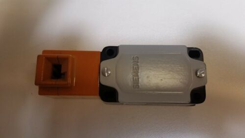 SIEMENS Position Switch 3SE3 120-0XX-Z 3SE3120-0XX 3SE31200XX 3ZX1012-0SE32-0AA1