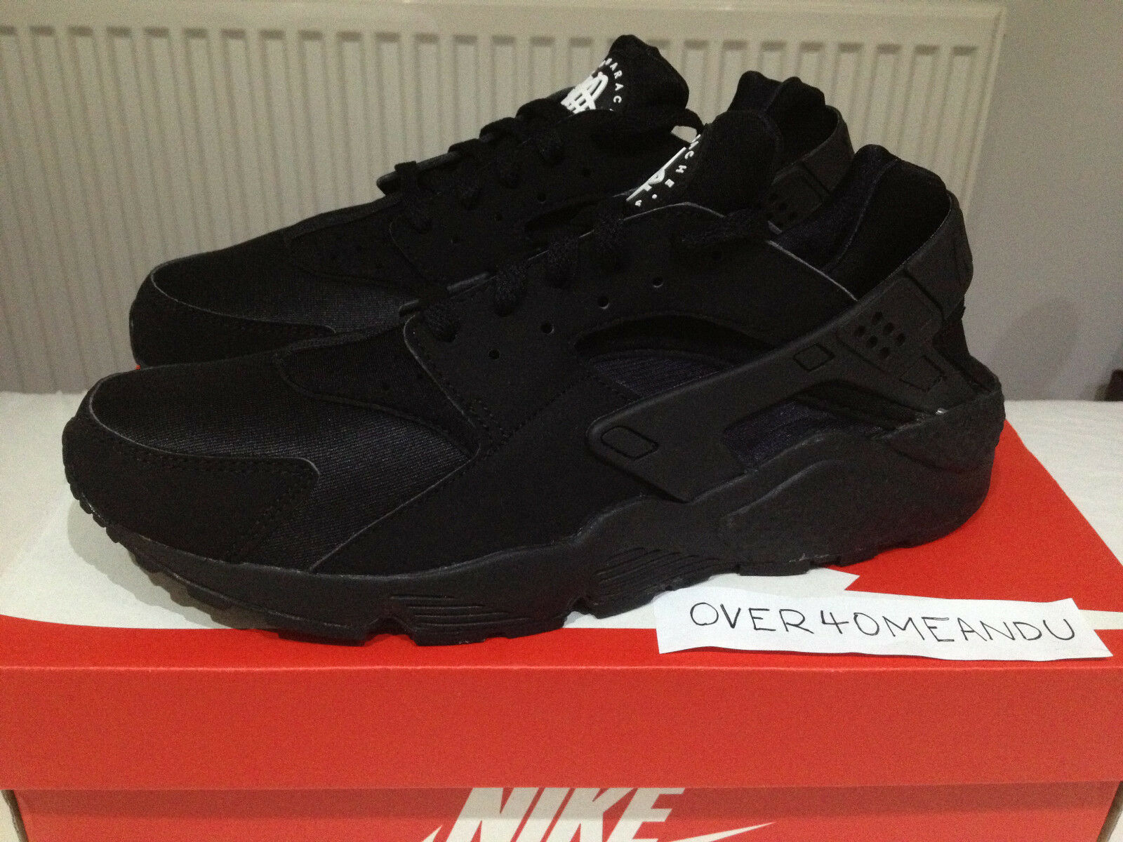 NEW NIKE AIR HUARACHE LE  TRIPLE BLACK  OG