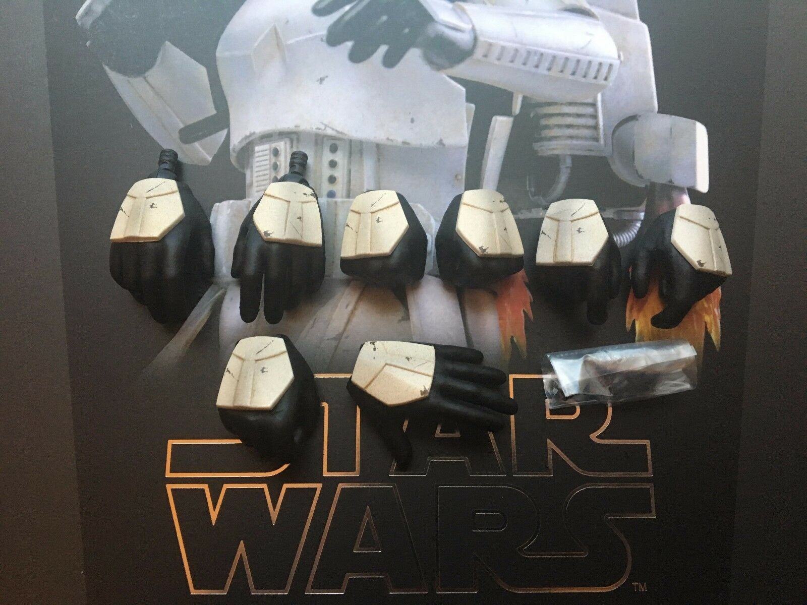 Hot Toys Star Wars Battlefront Jumptrooper Hands x 8 & Pegs loose 1 6th scale