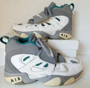 439ffb8523 Nike Air Diamond Turf 2 Sneakers Deion Sanders Athletic Multi 4.5Y ...
