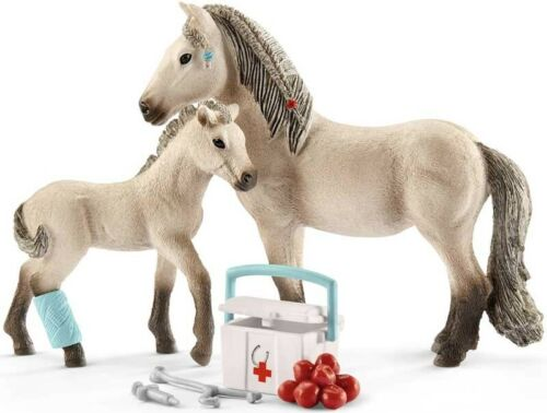 Schleich Horse Club Hannah/'s First Aid Kit Playset 42430-Cheval Jouet-Farm Toy