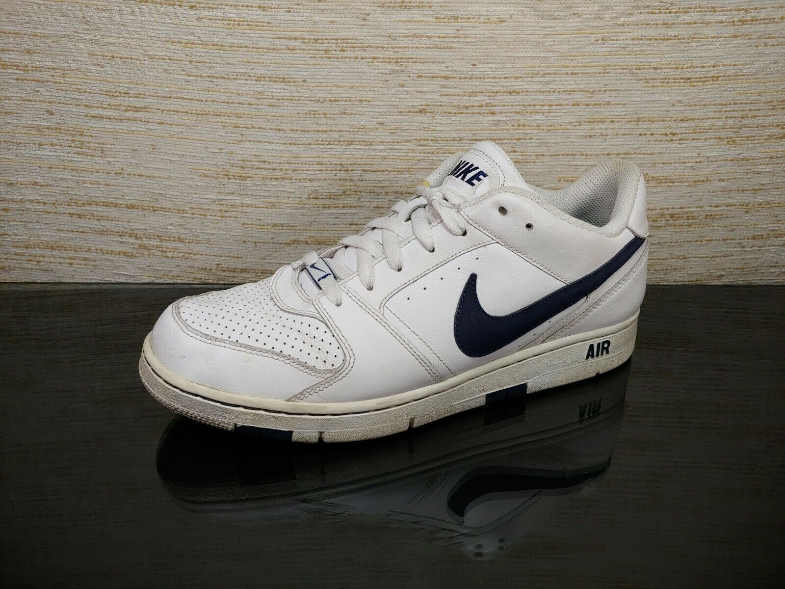 NIKE AIR PRESTIGE 11 (2) Men's Sz 10 White  Navy Leather Athletic Sneaker shoes