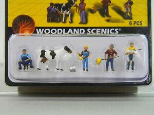 WOODLAND-SCENICS-HO-SCALE-DAIRY-FARMERS-figure-barn-animal-scene-WDS1887-NEW