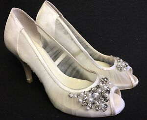 5273fd738 Menbur Kashia Size 36 Ivory Peep Toe Heels Shoes Embellished Pearls ...
