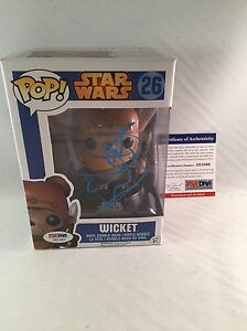 WARWICK-DAVIS-SIGNED-STAR-WARS-WICKET-FUNKO-POP-FIGURE-PSA-DNA-2