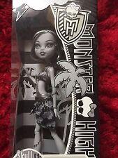 Monster High Frankie Stein (edición limitada blanco y negro cráneo costas NIB 2011) difícil de encontrar