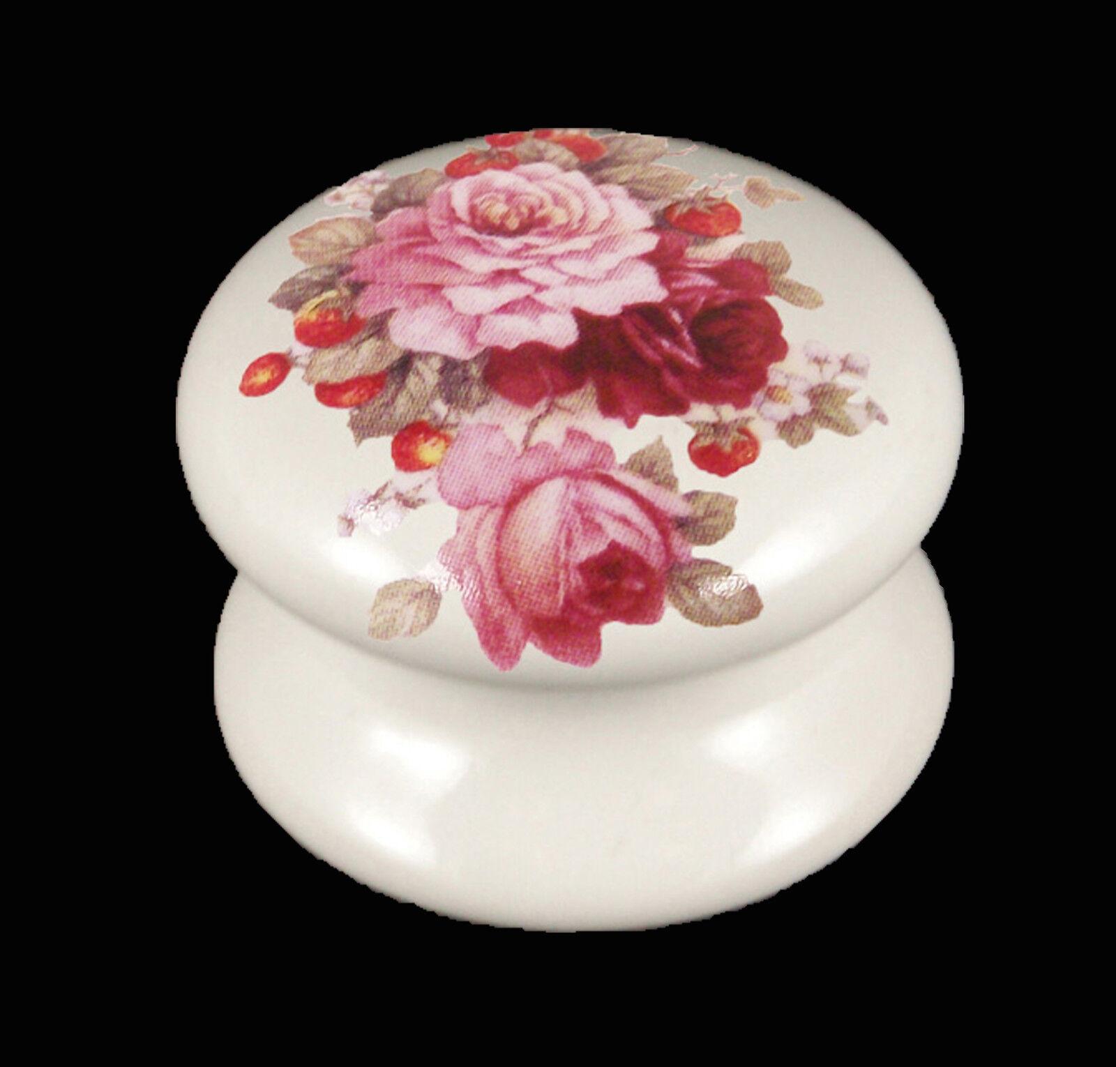Weiß Victorian Cupboard Ceramic Door Knobs Strawberries and Cream Design